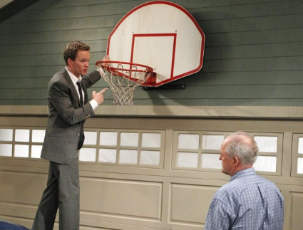 HIMYM   Is Barneys dad really Legendaddy? [Barney and Barneys Dad 425x323] (IMAGE)