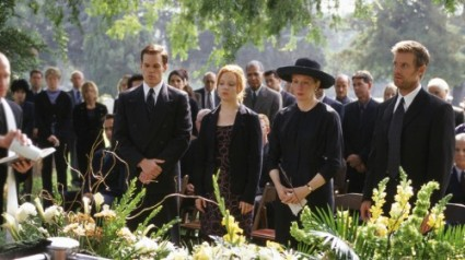 Six Feet Under   The most notable beginning of the episode deaths [fisher family 425x238] (IMAGE)