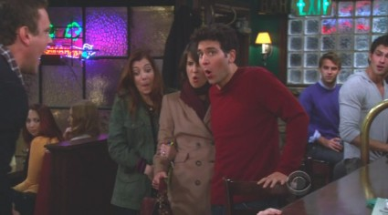 HIMYM   Can Bays and Thomas get the old magic back?   Quibbling Siblings [slapbet himym 425x236] (IMAGE)