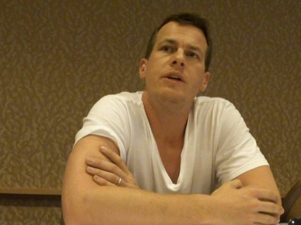 Person of Interest   Interviews with EPs Jonathan Nolan and Greg Plageman [image 268 640x480 425x318] (IMAGE)
